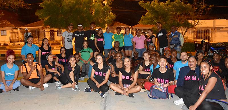la vida es un carnaval 10 Despues de bailar Mapale con el grupo Bnmbazu