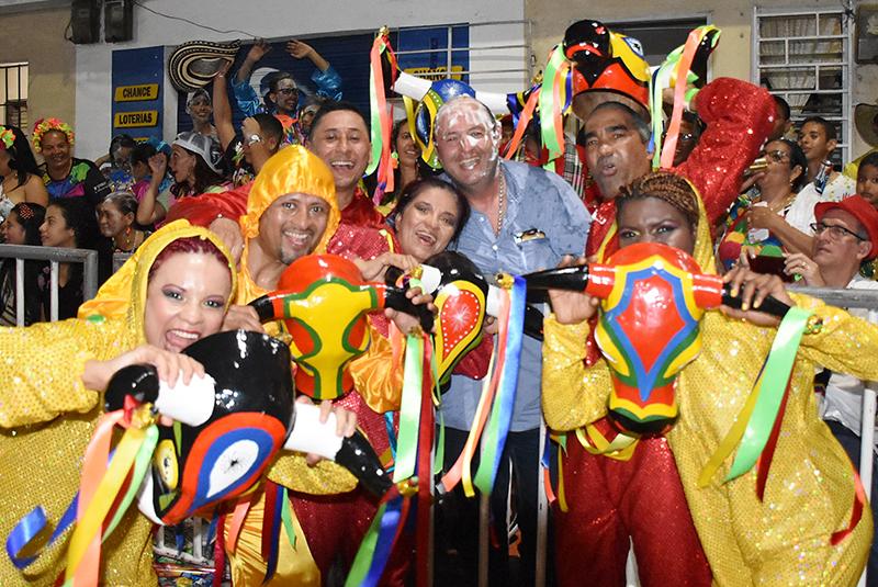 la vida es un carnaval 8 Con nuestro amigo Lucho Palma.